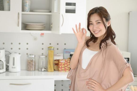 キッチンにいる女性