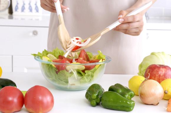 サラダの調理